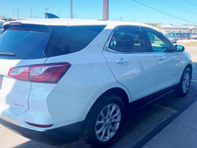 2018 WHITE Chevrolet Equinox LT (3GNAXSEV5JL) with an 1.5 liter 4 Cylinder Engine engine, 6-SPEED AUTOMATIC transmission, located at 222 N Cambell St., Rapid City, SD, 57701, (866) 420-2727, 44.081833, -103.191032 - Photo #2